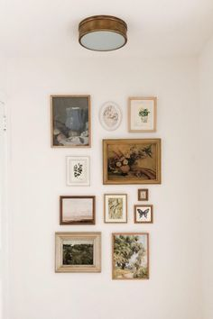Eclectic Frames, Eclectic Gallery Wall, Gallery Wall Bedroom, Gallery Wall Art, Up House, House Rooms, Living Room Decor, Bedroom Decor, Decoration