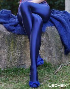 Shiny high waist Tights Sexy Shiny high waist Tights Sexy,Bras mit langen Ärmeln und passende Leggings und andere Gymnastiksachen Shiny high waist Tights Sexy Related posts:Gant Elegantes Jersey Sakko (Blau) Gant - summer outfitsGant. Women's Sports Leggings, Lycra Leggings, Workout Leggings, Tight Leggings, Shiny Leggings, Blue Leggings, Leggings Are Not Pants, Colored Tights Outfit, Blue Tights