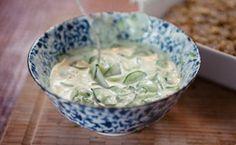 Salada de pepino, hortelã e iogurte: anote a receita de Rita Lobo.