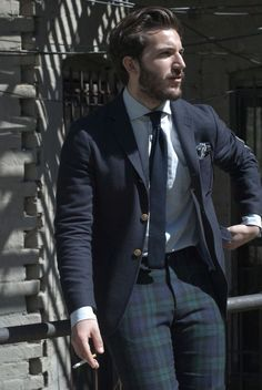 Lightweight Navy Wool Blazer, and Black Watch Tartan Plaid Pants. Gentleman Mode, Gentleman Style, Pantalon Tartan, Tartan Pants, Tartan Plaid, Checked Trousers, Mens Fashion Blog, Lifestyle Fashion, Fashion News
