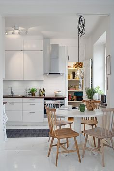 Simple Scandinavian kitchen via Alvhem.