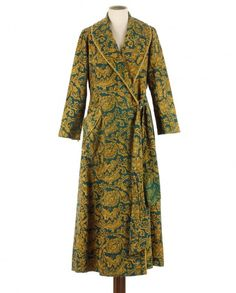 #Velvet #dressinggown50/60s http://www.madeinused.com/product-category/woman/dressing-gowns/