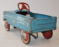 Retro Pedal Car in blue with red wheels. Antique Toys, Vintage Toys, Vintage Antiques, Retro Vintage, Vintage Trends, Metal Toys, Tin Toys, Auto Retro, Kids Ride On