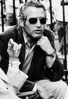 paul newman with sunglasses Hollywood Stars, Classic Hollywood, Old Hollywood, Keanu Reeves, Most Beautiful Man, Beautiful People, Paul Newman Robert Redford, People With Glasses, Paul Newman Joanne Woodward