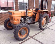 File:Fiat Tractor.jpg - Wikimedia Commons