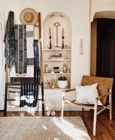 "2,790 gilla-markeringar, 14 kommentarer - Aleksandra Zee (@aleksandrazee) på Instagram: ""This @saffronandpoe leather sling-back chair looks amazing in all the spots """