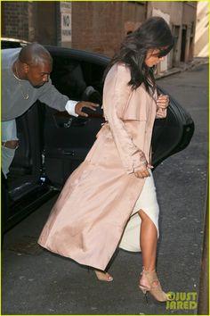 Kim Kardashian and her husband Kanye West at Mr. Wong's restaurant in Sydney, Australia Kardashian Style, Kardashian Jenner, Sydney Restaurants, Fashion Idol, Celebs, Celebrities, Celebrity Gossip, Kanye West, Actors & Actresses