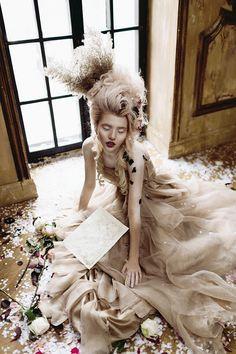 Wedding Inspiration: Maria Antuanetta - Simple + Beyond Madame Pompadour, Rococo Fashion, Poses, Fashion Shoot, Glamour, Cosplay, Timeless Fashion, Fashion Photography, Portrait