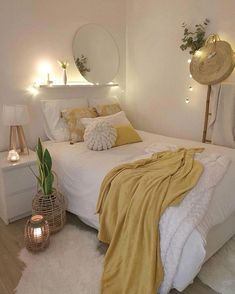 Lovely Fall Bedroom Decor Ideas Perfect For This Autumn , Top Lovely Fall Be. - Lovely Fall Bedroom Decor Ideas Perfect For This Autumn , Top Lovely Fall Be… Fall Bedroom Decor, Bedroom Inspo, Simple Bedroom Decor, Diy Home Decor, Cute Bedroom Ideas, Bedroom Ideas For Small Rooms For Teens, Teen Bedroom Designs, Bedroom Decor For Teen Girls, Teen Girl Bedrooms