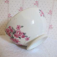 Large Bol avec des roses French vintage café au lait bol, bol de café avec rose, bol café au lait, shabby chic de la boutique CrazyFrenchVintage sur Etsy