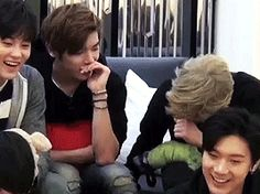NCT Trash - zeusmayo: Taeyong doing aegyo + 2tae