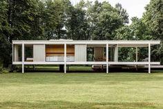 Farnsworth House by Ludwig Mies van der Rohe | UP interiorsEdit
