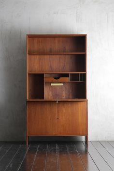 Find Furniture, Cabinet Furniture, Furniture Makeover, Furniture Design, Antique Cabinets, Wood Cabinets, Wooden Wardrobe, Woodworking Desk, Mid Century Modern Furniture