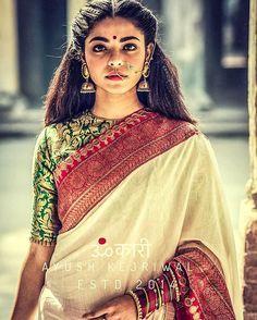 indian fashion Bridal -- Click VISIT link for more details Indian Fashion Trends, Ethnic Fashion, Trendy Fashion, Fashion Brands, Indian Wedding Outfits, Indian Outfits, Indian Clothes, Hindu Girl, Indische Sarees