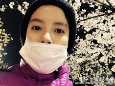 04.07.15 weibo update  - 가족들과 벗꽃구경..!! 하늘에서 눈이 내려요..!! 和家人们赏樱花..!! 天上下雪了..!!