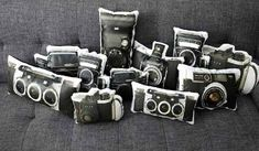 unique-vintage-camera-pillows-decorative-accessories (3)