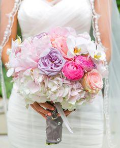 Wedding bouquet | Carla Gates Photography | http://www.theknot.com/weddings/album/144351