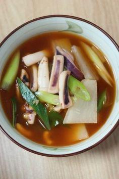오징어무국 얼큰하게 캬 ~ : 네이버 블로그 Squid Soup Recipe, Squid Recipes, Baby Food Recipes, Cooking Recipes, Korean Side Dishes, Food Design, Korean Traditional Food, K Food, Mindful Eating