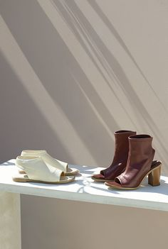 "The Chloé Spring 2015 Accessories Collection – ""Ella"" flat sandal in stretch… Still Photography, Fashion Photography, Life Photography, Shoes Editorial, Shoe Room, Chloe Shoes, Shoes Photo, New Shoes, Designing Women"