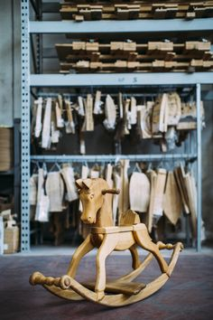 There's a little horse in the factory that represents Venetasedie history in wood.