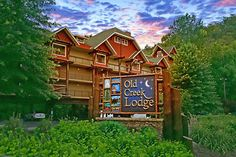 46 best hotels in gatlinburg images vacations gatlinburg rh pinterest com hotels in gatlinburg tn with a lazy river