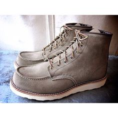 Red Wing 8881 in Olive Mohave