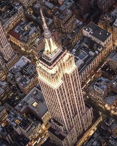 Stunning Empire... Wonderful shot by Gurdal @nyc_bibog #picturesofnewyork by pictures_of_newyork