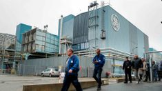 General Electric to freeze pensions for employees Global Business, Business News, Crm System, Long Term Care, Financial Times, General Electric, Freeze, Accounting, Public
