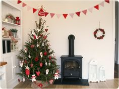 Country Style Christmas Theme In Red and White From Country Kitty