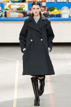 Chanel  Fall 2014 Ready-to-Wear  #ParisFall2014 #PFWfall2014 #Chanel