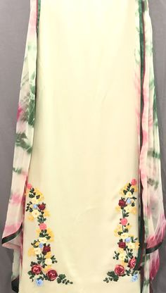 Embroidery Suits Punjabi, Hand Embroidery Dress, Kurti Embroidery Design, Embroidery Fashion, Ribbon Embroidery, Punjabi Suit Boutique, Punjabi Suits Designer Boutique, Boutique Suits, Indian Designer Outfits