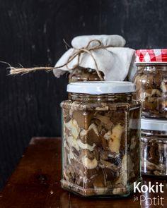 Umpiointi – helppo tapa säilöä   Kokit ja Potit -ruokablogi Recipes From Heaven, Jar, Food Heaven, Smoothie, Smoothies, Jars, Glass
