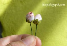 Tutorial on making rose buds with SB Rose Creations dies.