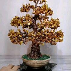 Unique gemstone wire tree sculptures by DanielsAtelier Copper Wire Crafts, Coin Crafts, Bonsai Wire, Mini Bonsai, Wire Tree Sculpture, Coin Art, Silver Headband, Crystal Tree, Pom Pom Crafts