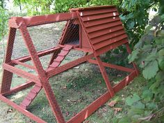 Ecolo-bio-nature: Construction d'un poulailler avec des matériaux de récup