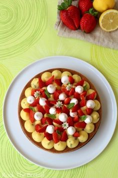 Fantastik à la fraise, citron et basilic Summer Dessert Recipes, Vegan Dessert Recipes, Cake Recipes, Cooking Recipes, Bon Dessert, Dessert Aux Fruits, Dessert Ideas, Dacquoise, Fruit Salad