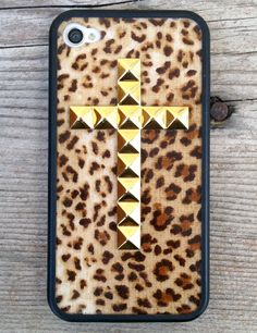 A delightful combination of pattern and stylish accents! http://www.amazon.com/s/ref=bl_sr_wireless?_encoding=UTF8&field-brandtextbin=Wildflower%20Cases&node=2335752011