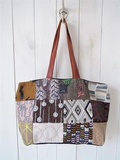 ミナペルホネン mina perhonen piece bag ピースバッグ(ba80-1904-23)【71D91】 – drop archives Felt Bags, Handmade Felt, Archive, Arts And Crafts, Reusable Tote Bags, Drop, Quilts, Craft Items, Quilt Sets