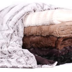 Plush Reversible Mink Faux Fur Throw - Overstock™ Shopping - Great Deals on Throws animal plum Fluffy Blankets, Cozy Blankets, Faux Fur Blanket, Faux Fur Throw, Online Bedding Stores, My Escape, My New Room, Decoration, Cuddle