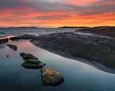 28 January 2016. Smithska udden Gothenburg Sweden. #swedenmoments #västkusten #visitgöteborg #visitsweden #sweden #älskagbg #thisisgbg #sunset #seascape #coastal #sunsets #smithskaudden #gothenburg #göteborg #mikaelsvenssonphotography #nature #naturemoments #nikond750 #nikon1635