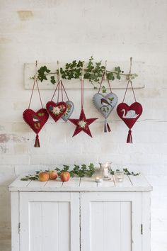 Scandi Christmas decorations: 15 ideas to hygge up your home this festive season, Norwegian Christmas, Danish Christmas, Christmas Makes, Diy Christmas Tree, Beautiful Christmas, Simple Christmas, Vintage Christmas, Christmas Wreaths, Christmas Ornaments