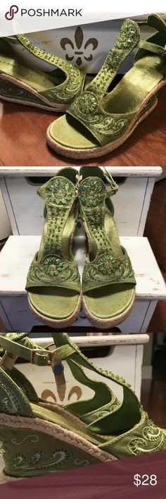"""Bamboo Lime Green Tootsy Beaded 3.5"""" Wedge Sz 8.5 Great Used Condition - If you have any questions or concerns, please let me know. Thank you for looking at my listing. Have a blessed day! BAMBOO Shoes Wedges"""