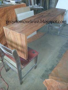 Banco U em madeira maciça de demolição....acabamento com verniz incolor acetinado