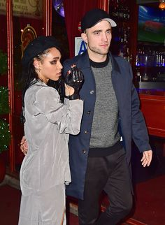 Breaking Hair News: Robert Pattinson Shows Off Questionable Haircut During Night Out with FKA Twigs Robert Pattinson News, Robert Pattinson Fka Twigs, Robert Pattinson Girlfriend, Interracial Celebrity Couples, Breaking Hair, Just Jared Jr, Pop Culture News, Hot Beach, New Girlfriend