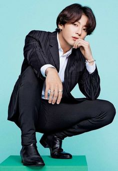 Taehyung have been assigned to the most richest company, jeon corp. Foto Jungkook, Bts Taehyung, Foto Bts, Jungkook Cute, Jungkook Oppa, Bts Bangtan Boy, Jung Kook, Busan, K Pop