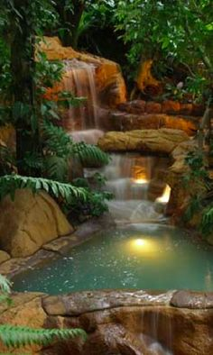 The Springs Resort & Spa in Arenal Volcano National Park on Costa Rica's northern lowlands • photo: Springs Resort on arenal.net