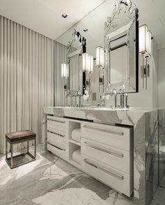 Banheiro do casal com pia de duas cubas