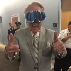 Vin Scully is ready for the Dodgers' celebration of the NL West title//Sept 25, 2016