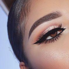 Perfect @cynthiizzle  wearing @eyerisbeauty lashes in empress