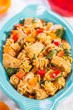 Smoky Chicken, Peppers & Spinach Pasta Salad - Juicy chicken, crisp bell peppers & pasta with smoked paprika! Fast, easy, healthy & a hit! Italian Chicken Pasta, Chicken Orzo, Lemon Chicken, Peanut Chicken, Orange Chicken, Cilantro Chicken, Mozzarella Chicken, Chipotle Chicken, Chinese Chicken